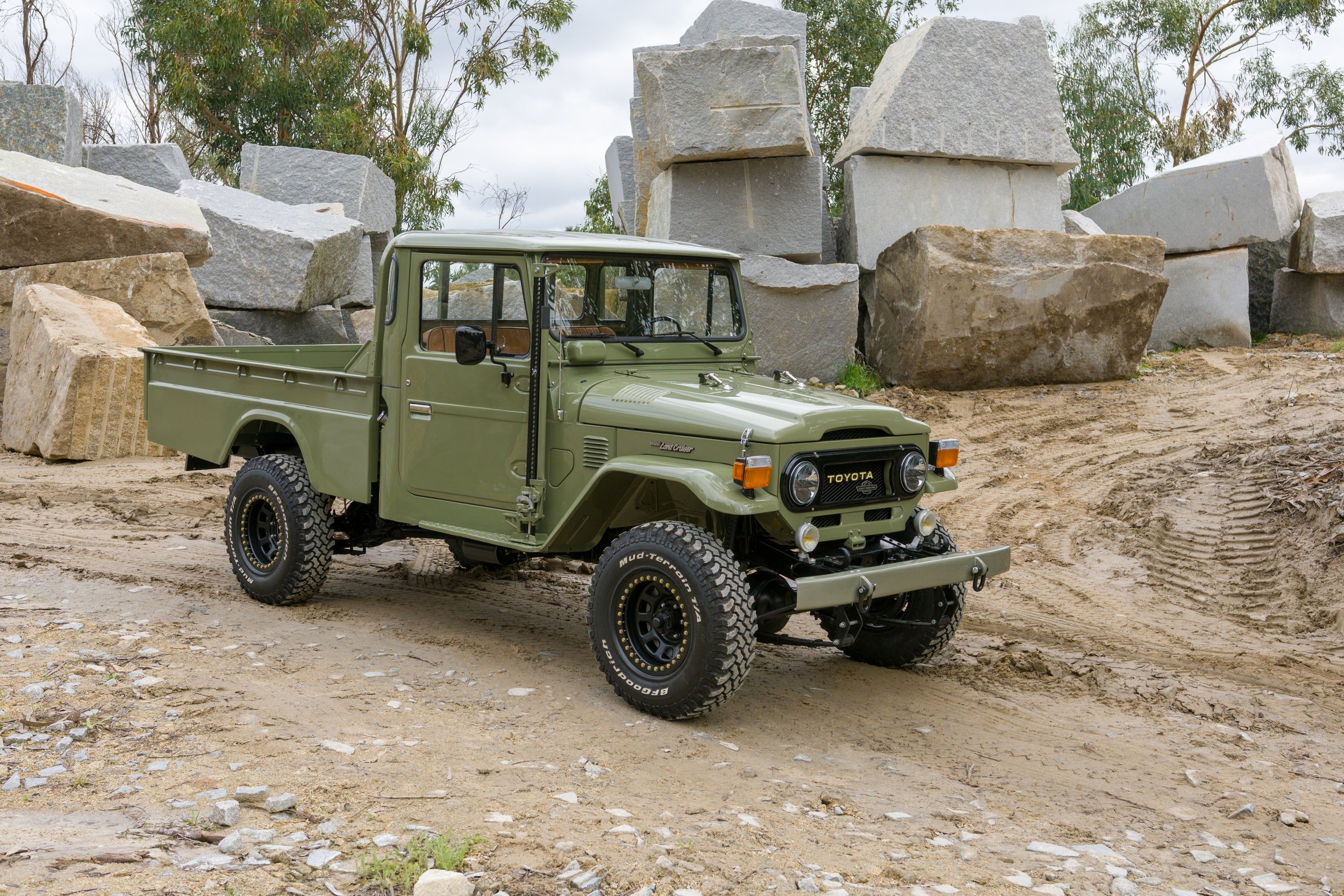 LegacyOverland_1978_ToyotaLandCruiser_HJ45_pick-up_quarry_9.jpg
