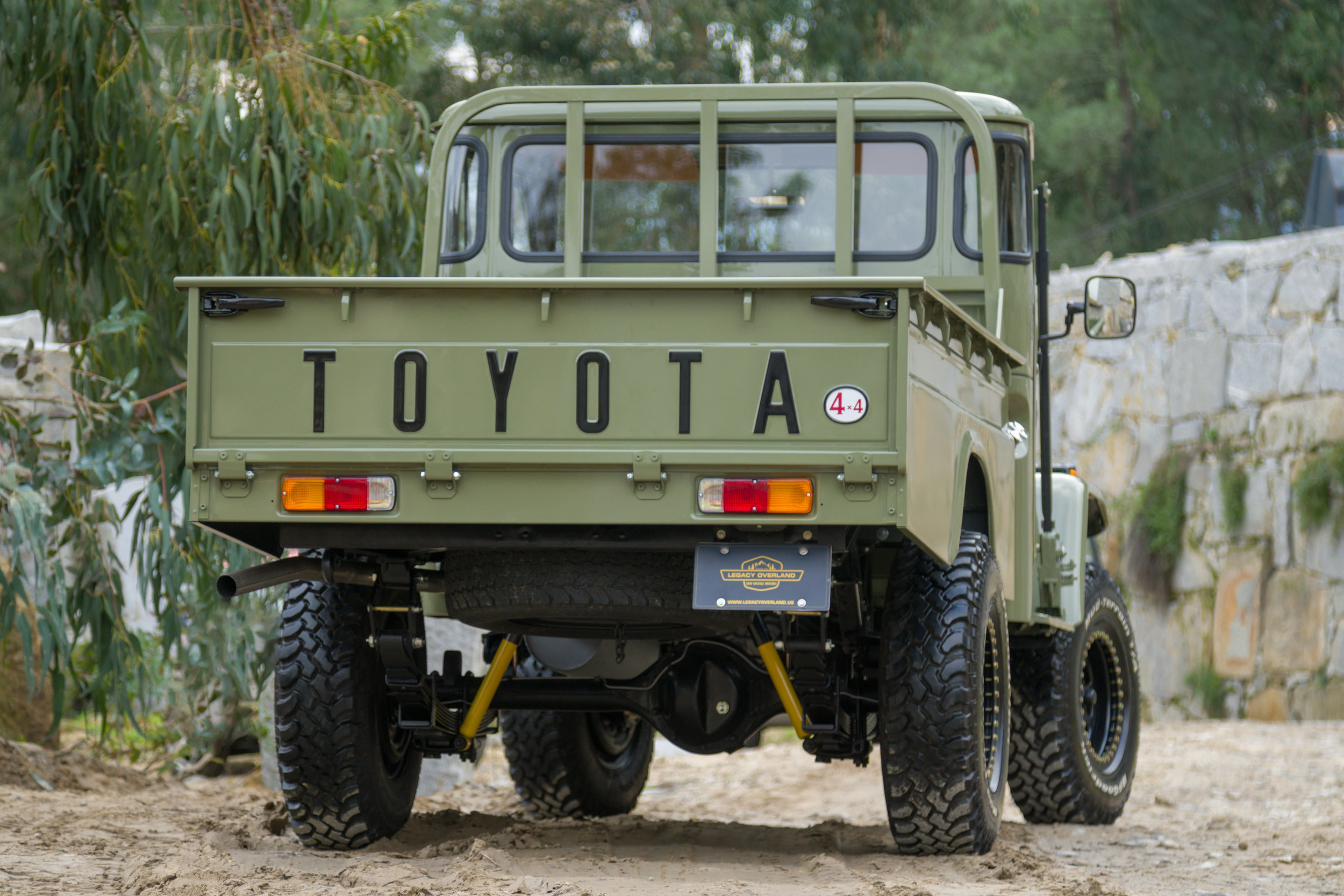 LegacyOverland_1978_ToyotaLandCruiser_HJ45_pick-up_quarry_66.jpg