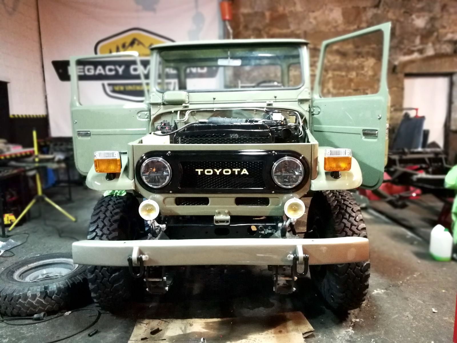 LegacyOverland_1978_ToyotaLandCruiser_HJ45_pick-up_buildphotos_14.JPG