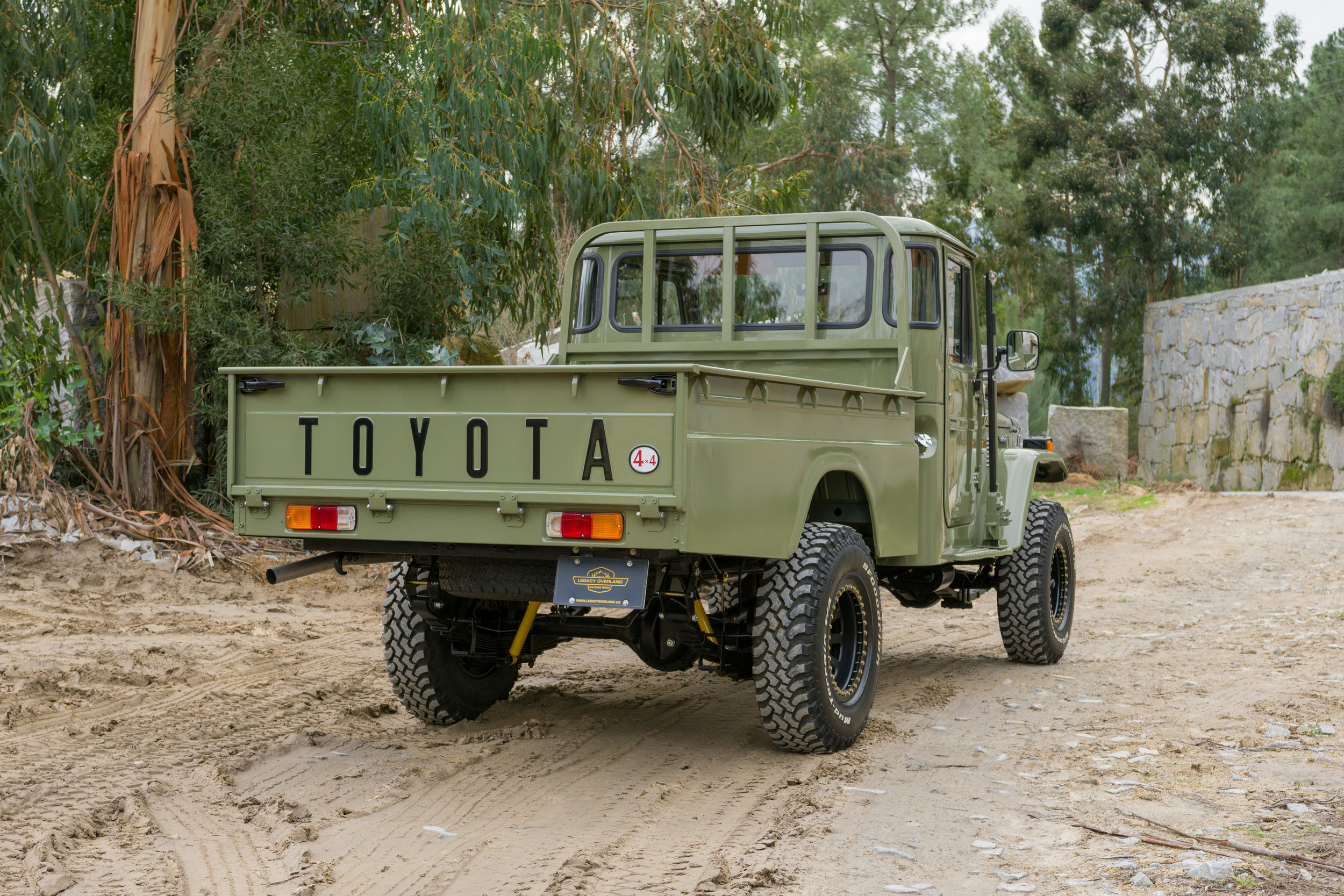 LegacyOverland_1978_ToyotaLandCruiser_HJ45_pick-up_quarry_7.jpg