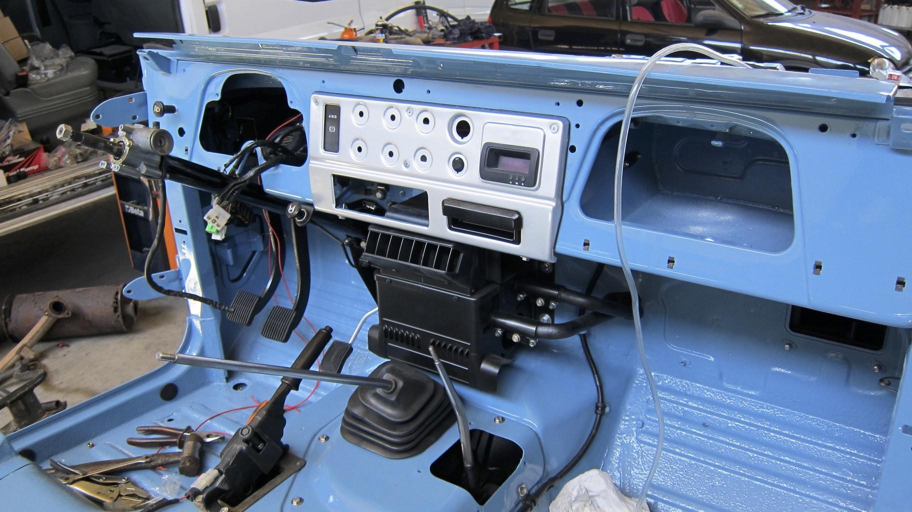 LegacyOverland_1980_ToyotaLandCruiser_FJ40_opentop_build_232.jpg