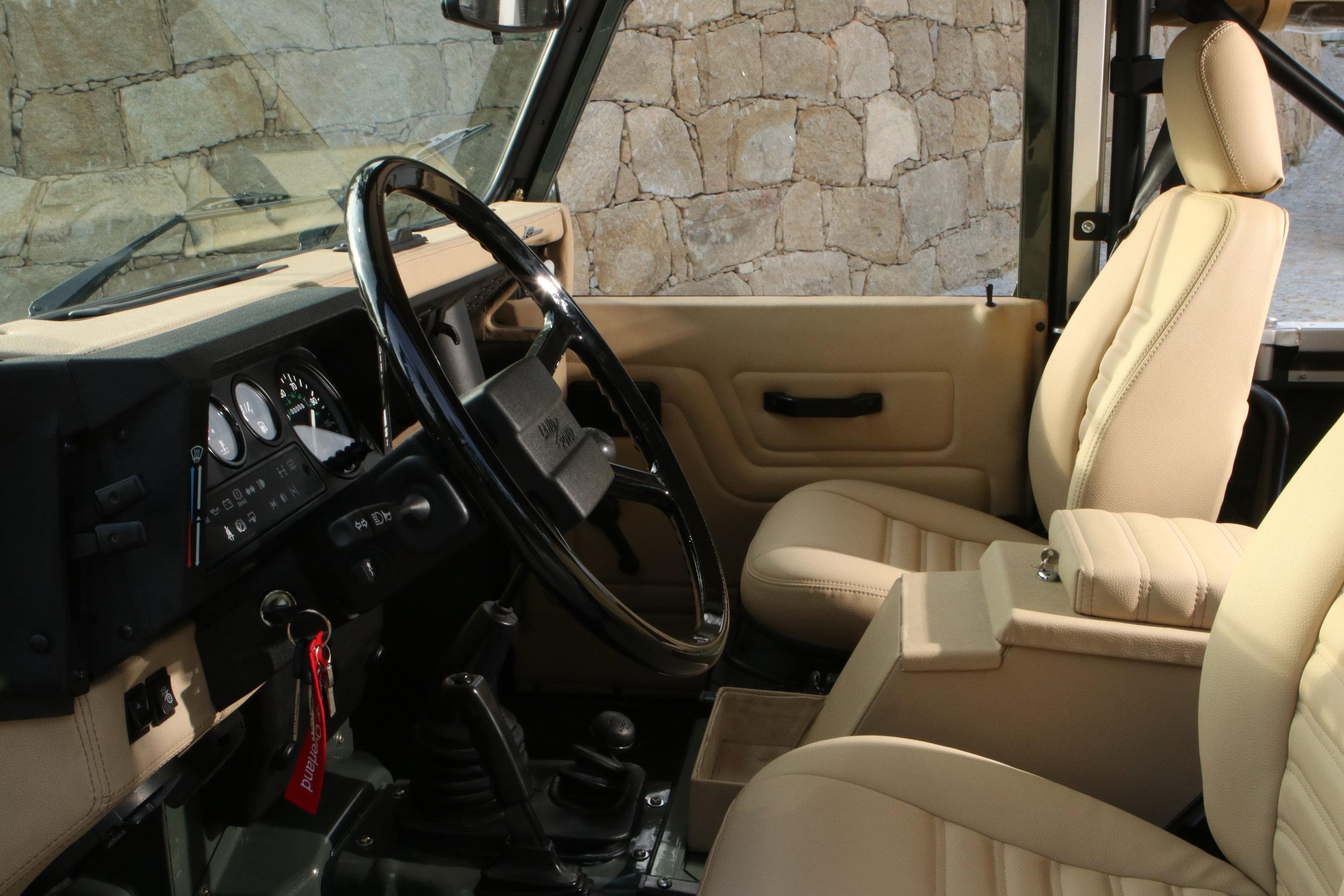 LegacyOverland_ProjKalahari_Defender90_car32.JPG