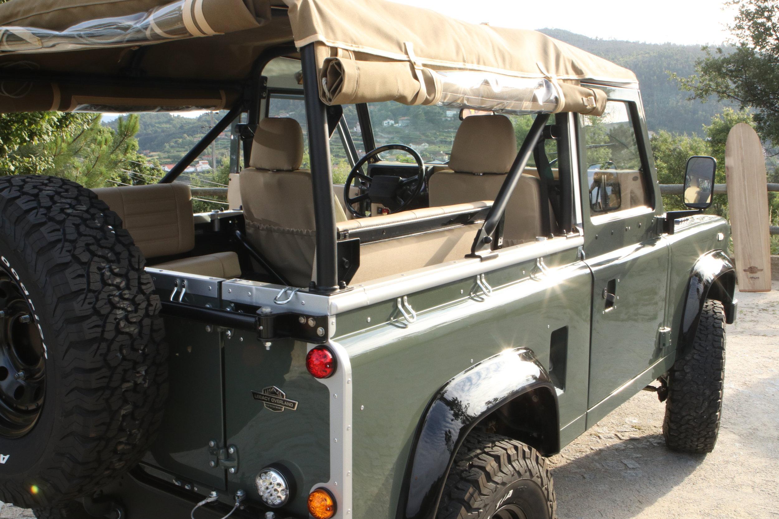 LegacyOverland_ProjKalahari_Defender90_car33.JPG