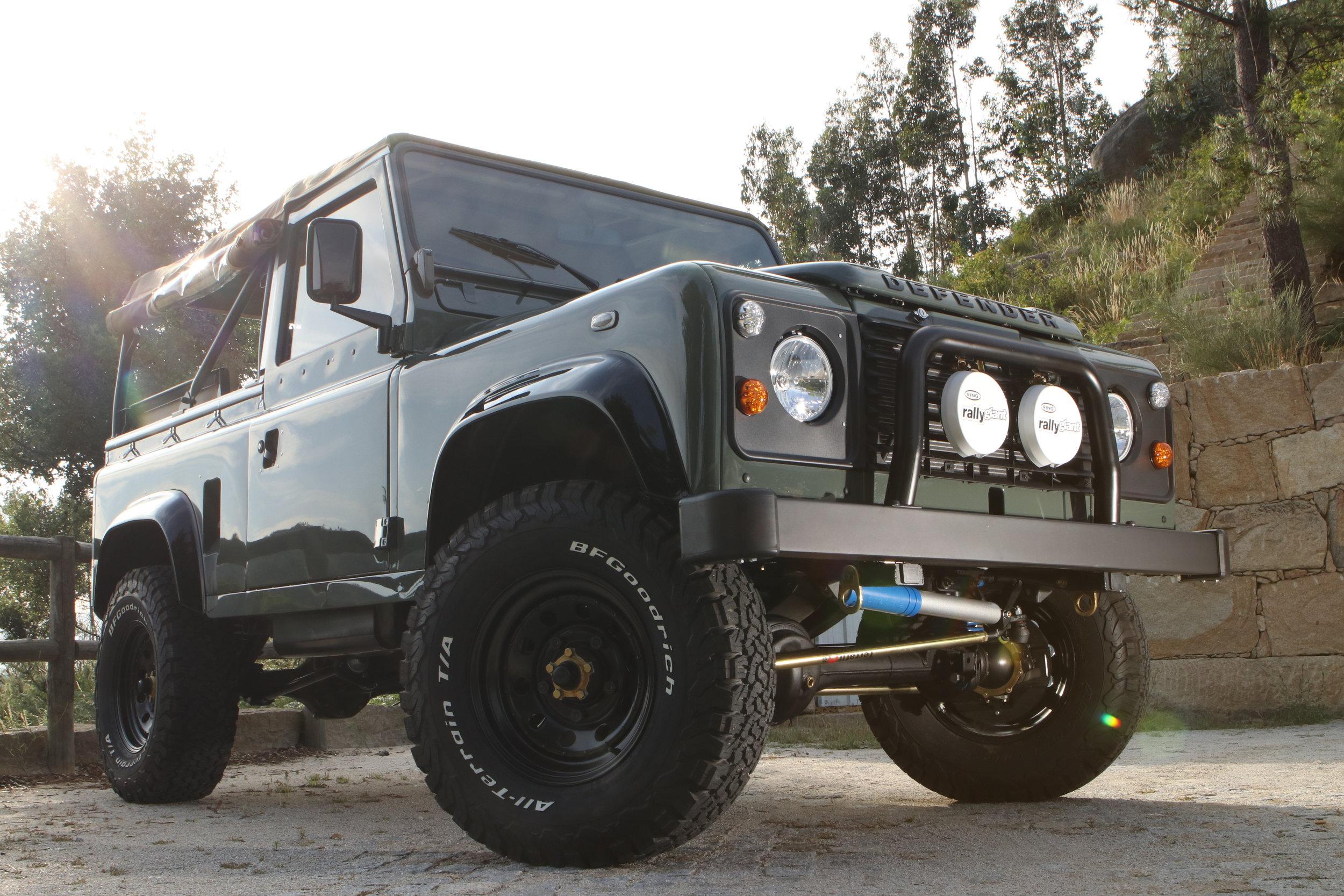 LegacyOverland_ProjKalahari_Defender90_car25.JPG