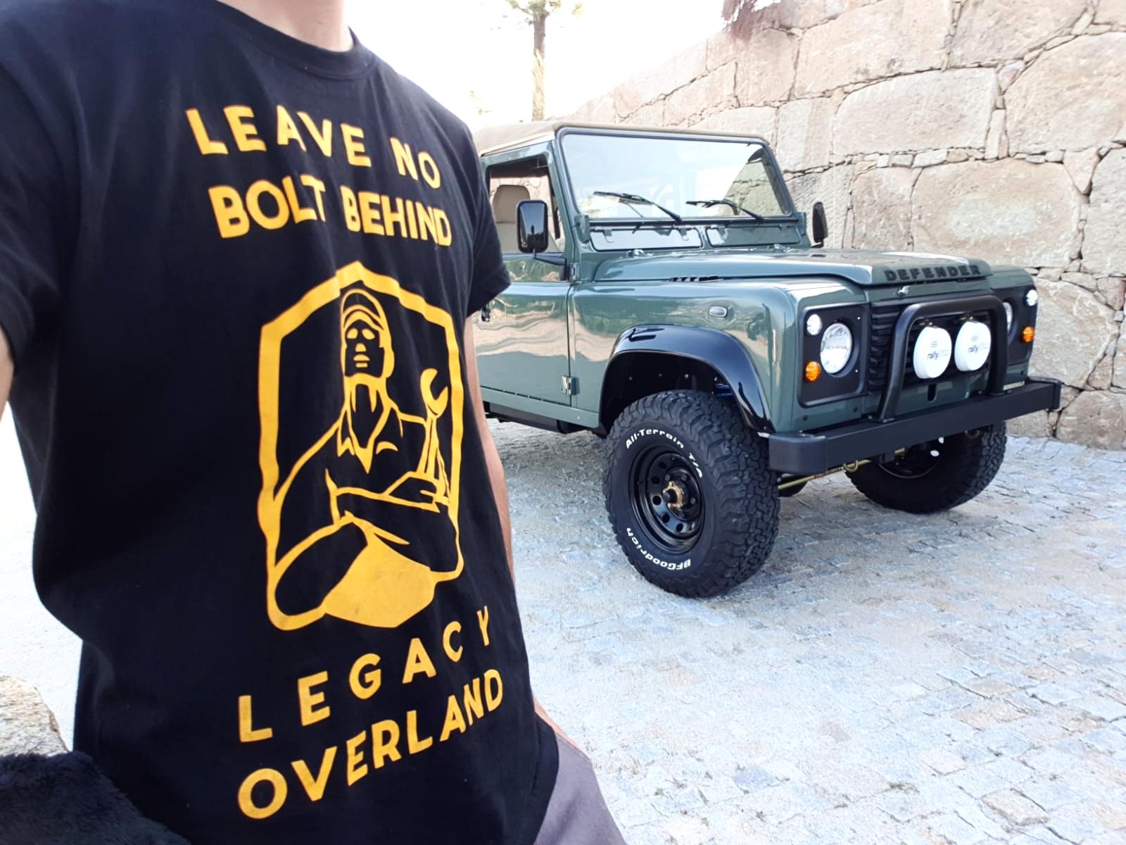 LegacyOverland_ProjKalahari_Defender90_car11.jpg