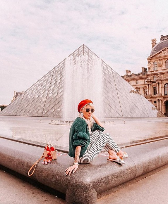 Louvre is in the air | 📸: @thegracemattei