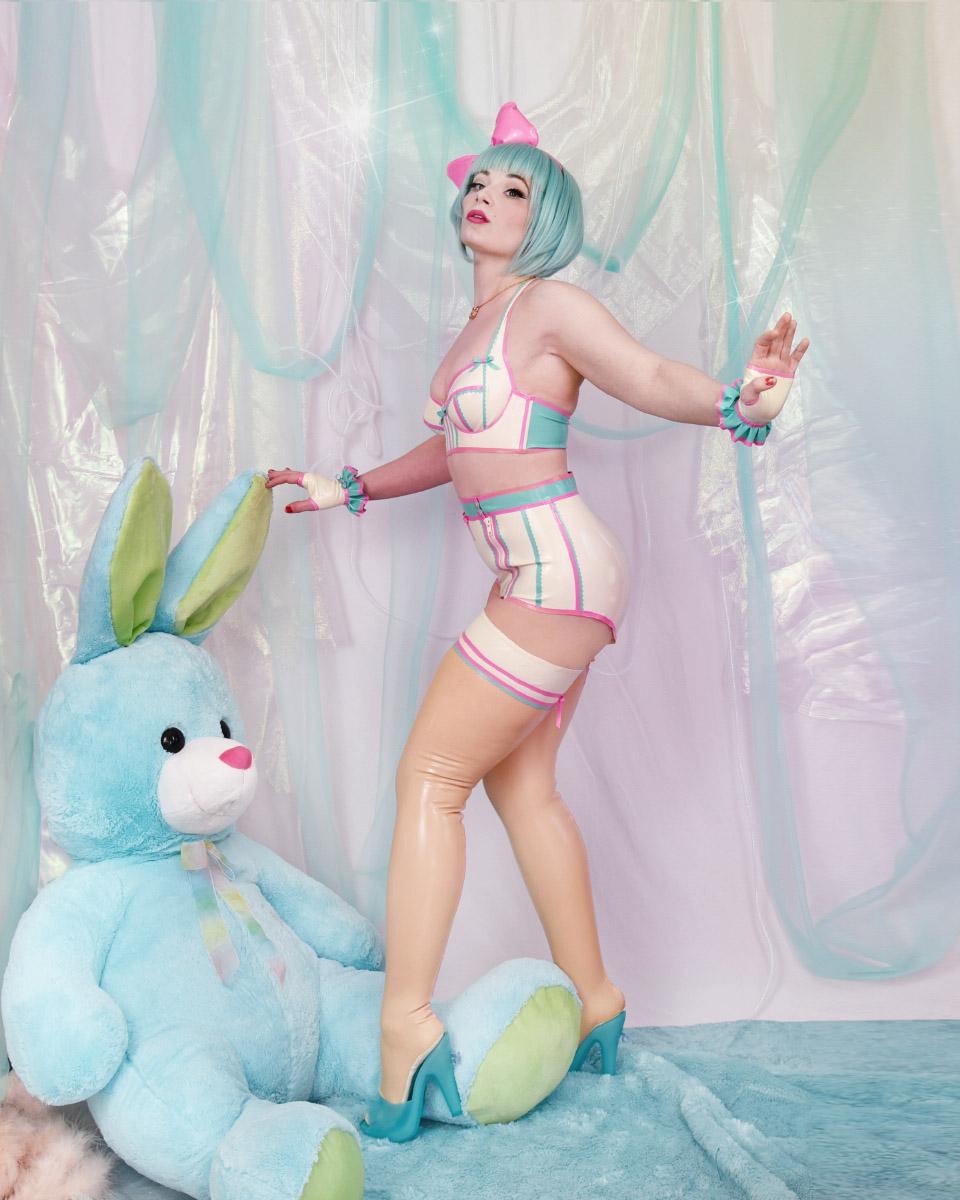 latex_bunny2.jpg