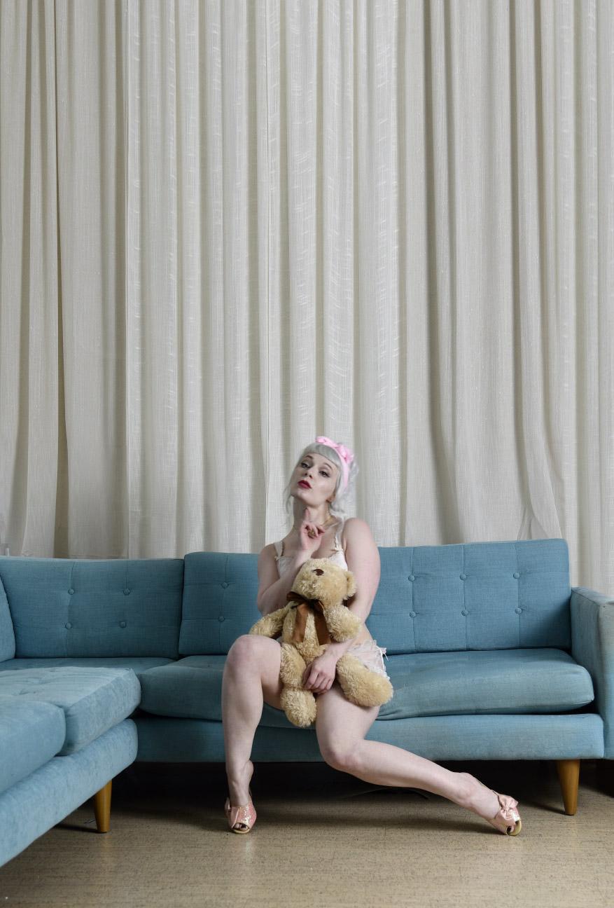 sofa_miss_4.jpg