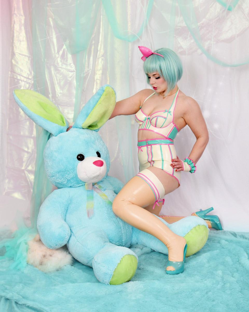 bunny_latex1b.jpg