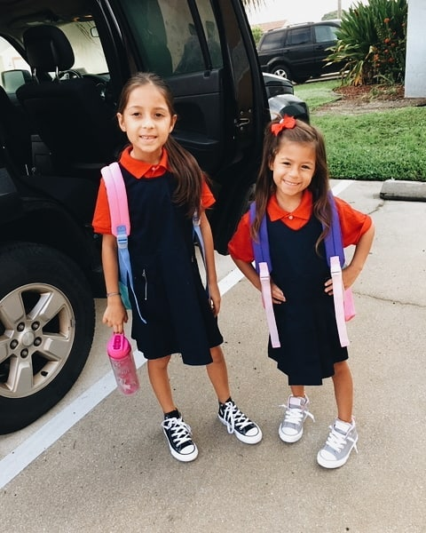Back To School today! I was so excited to pick these two up from their first day and it's extra special because it was Julia's first day of kindergarten. Now they're going to catch me up on their day, what they did, the new friends they made and of course, their favorite part of the day- lunch! 🍔🍟🌭 . P.S. That's one less kid in daycare!! 💸💸