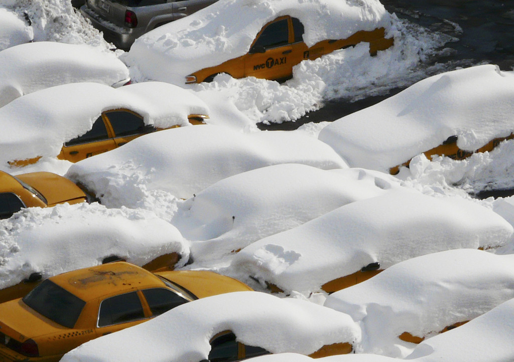 Taxis in Snow