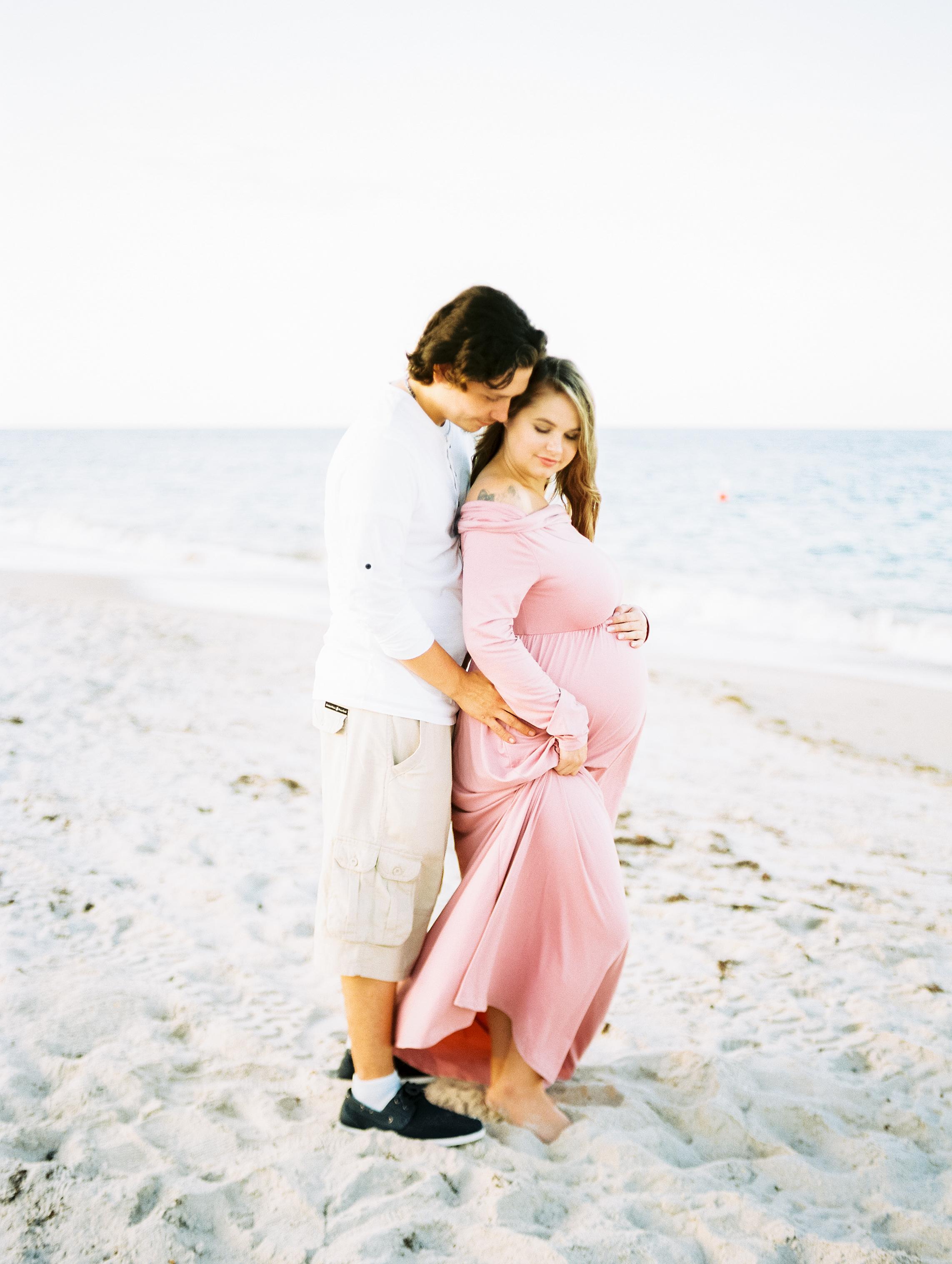 kaylee_maternity_faves-10.jpg
