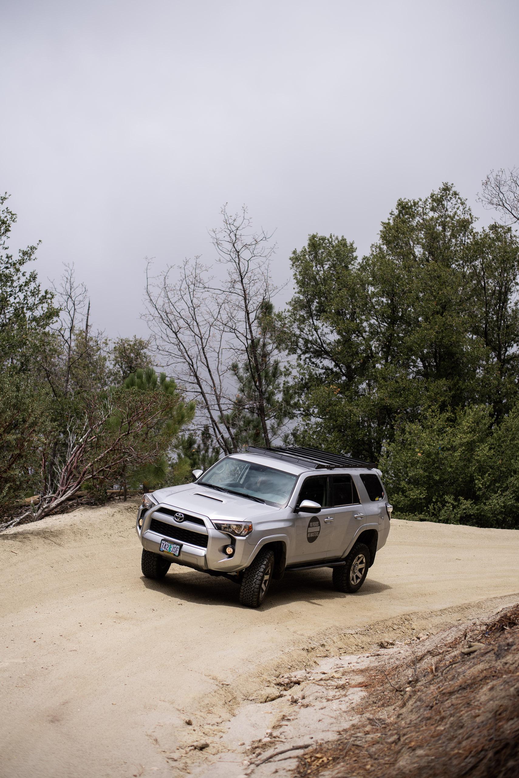 toyota-4runner-5th-gen-dirt-road-softroading