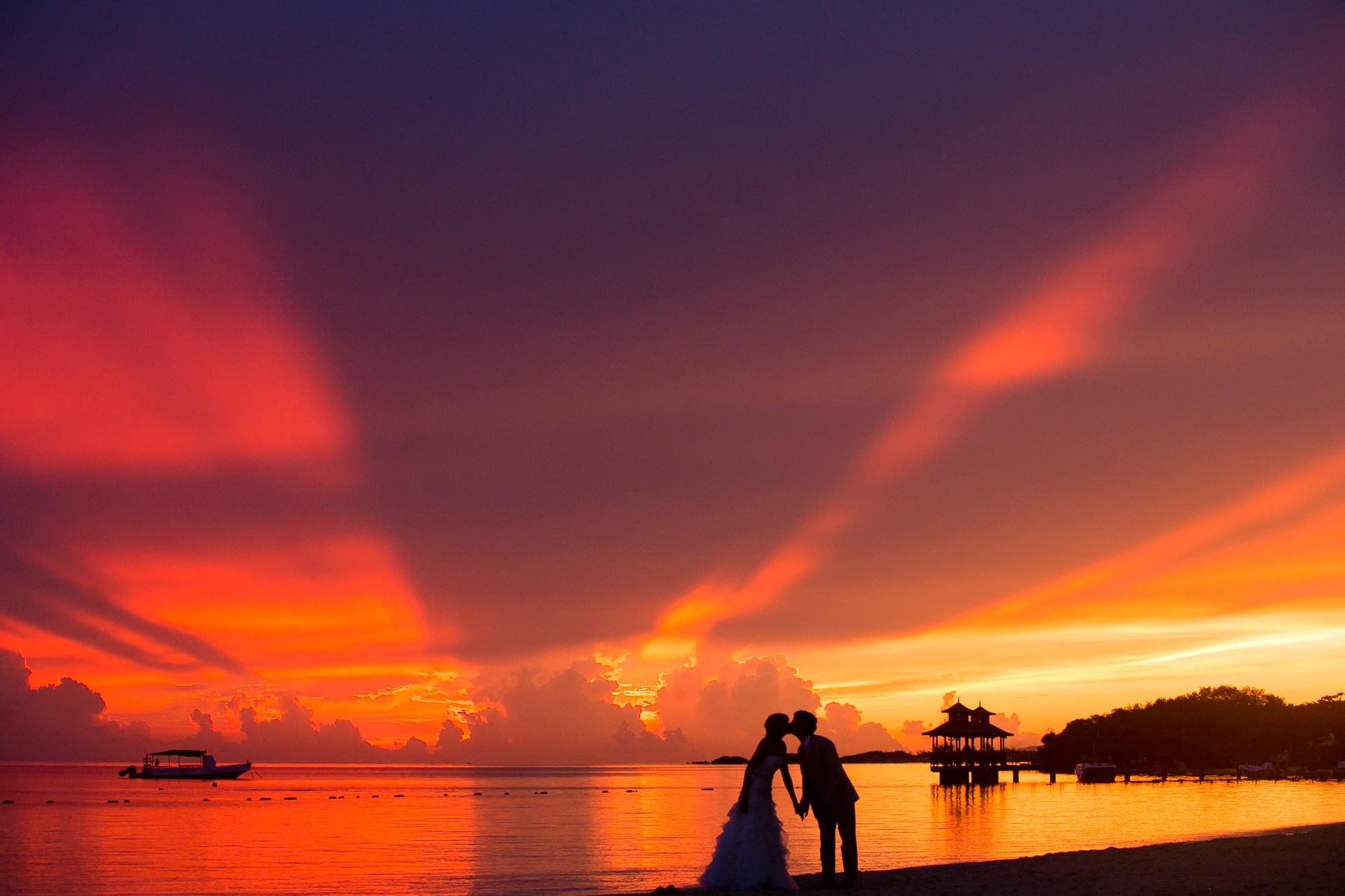 20130922_2013.09.20_VintonLucas_Wedding_WreckTheDress_WEB_website_UD9A4379 copy.jpg