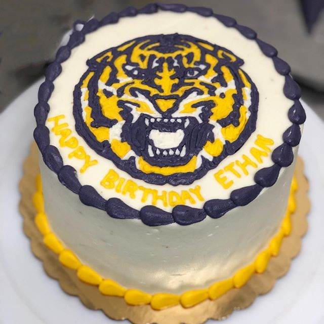 We are ready for the first home game tomorrow!!! 🐯💛💜 . . . #geauxtigers💜💛 #purpleandgold #tigercake #cakes #fromscratch #tigercakes #gobr #batonrouge #batonrougebakery #love #gameday #vanilla #birthdays #customcakes #customorders #nofilter #instagood #instafood #instasweet