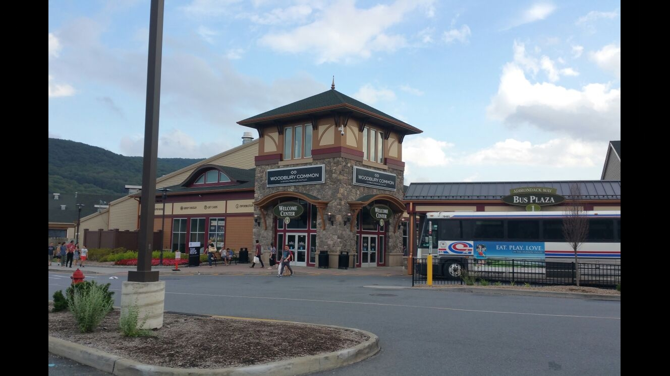 Shopping at Woodbury Commons