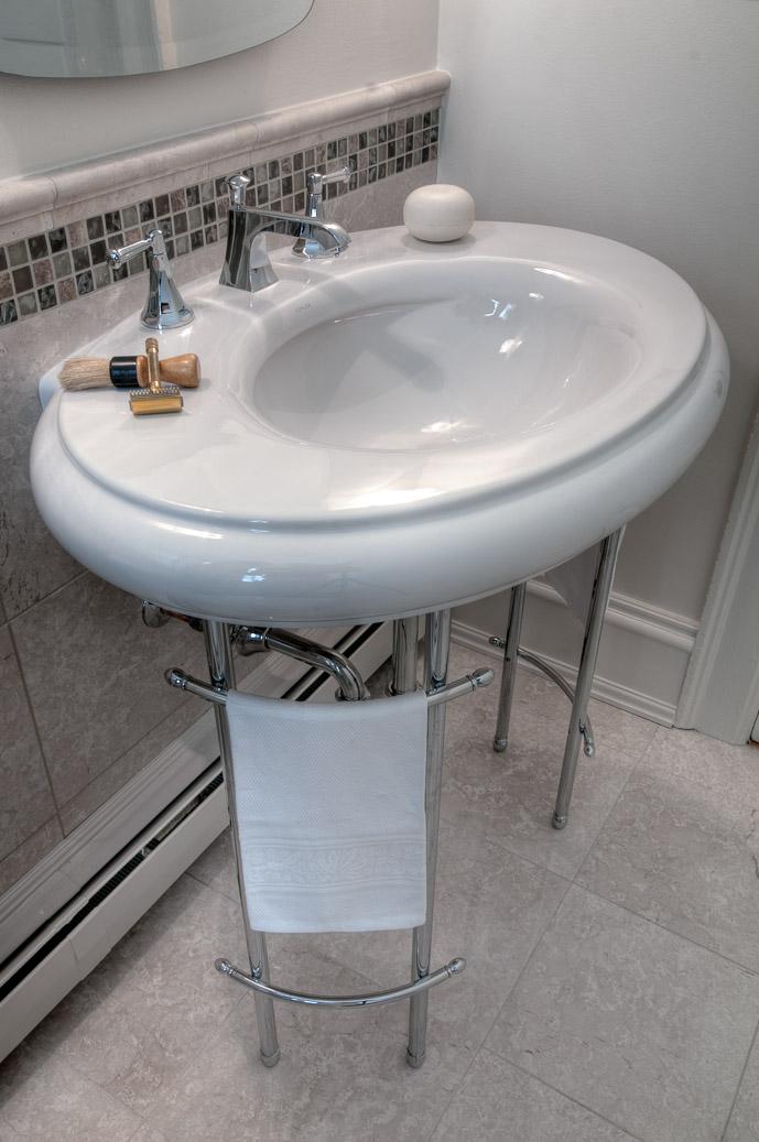 Bathroom_sink (2).jpg