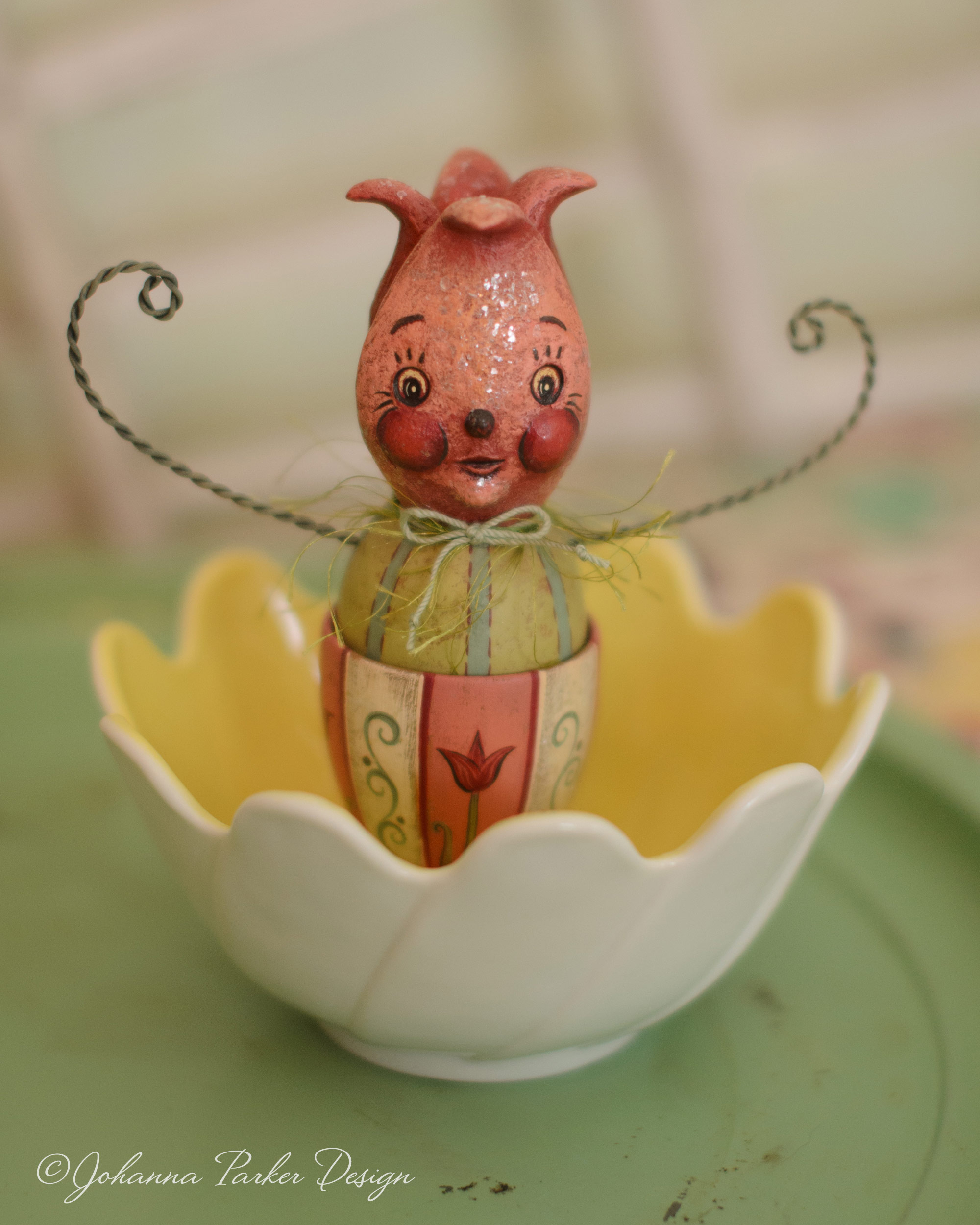 Sweet tulip egg cup
