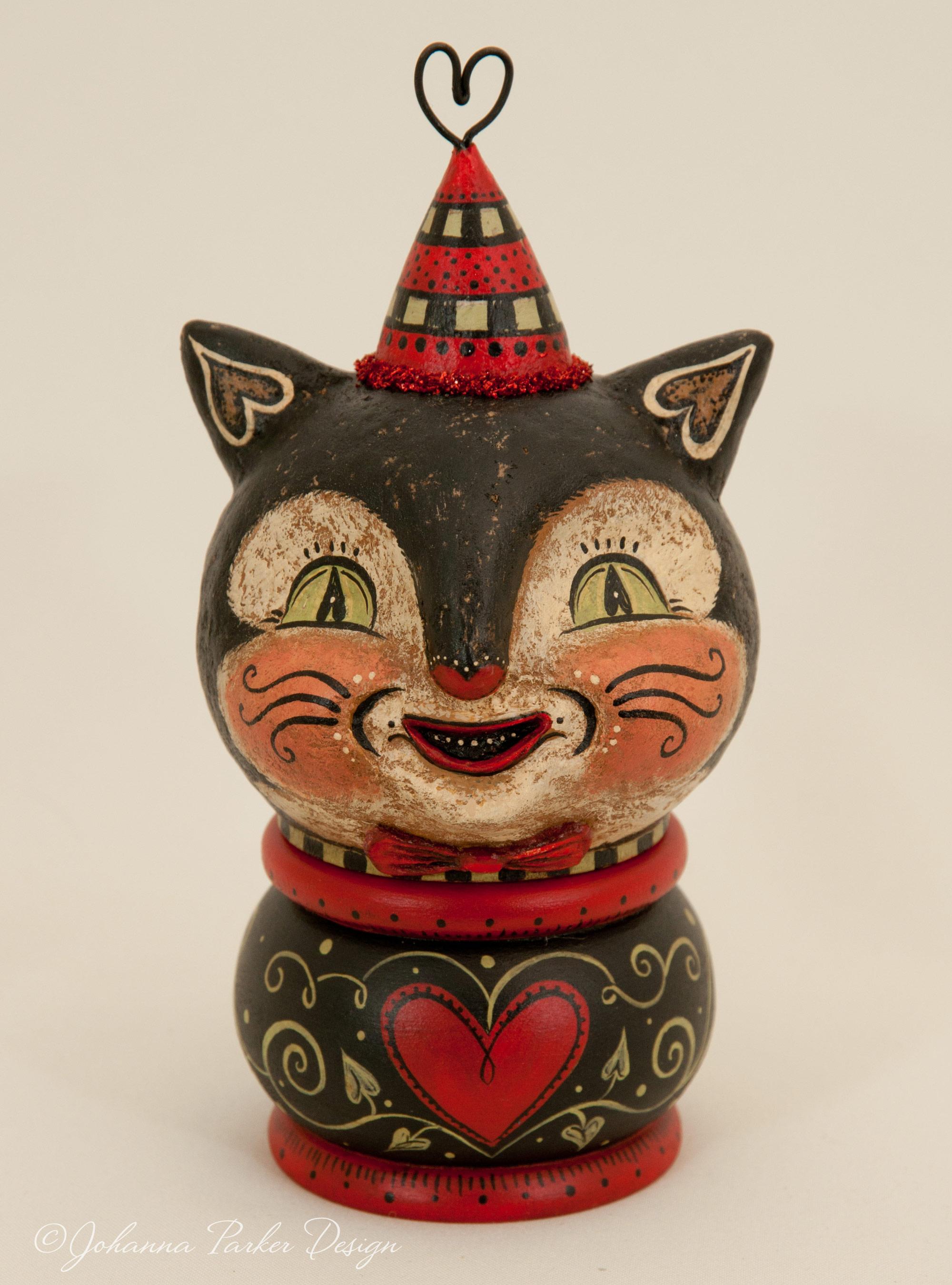 Valentine cat kettle