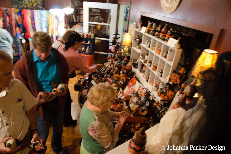 Glens Art Walk Halloween collectors