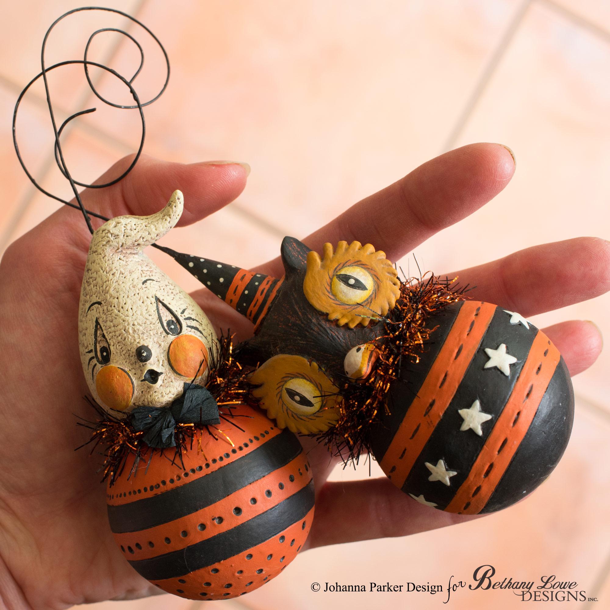 Halloween-BLD-Ball-Ornaments-in-Hand.jpg