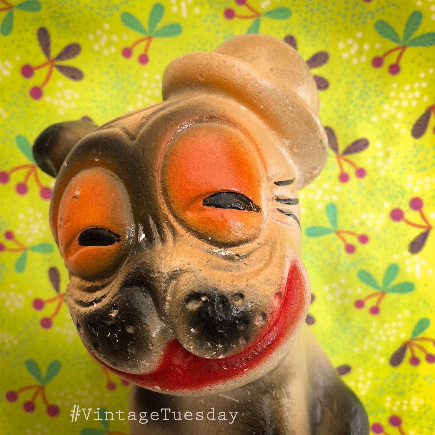 Vintage-Tuesday-Carnival-Chalkware-Dog.jpg