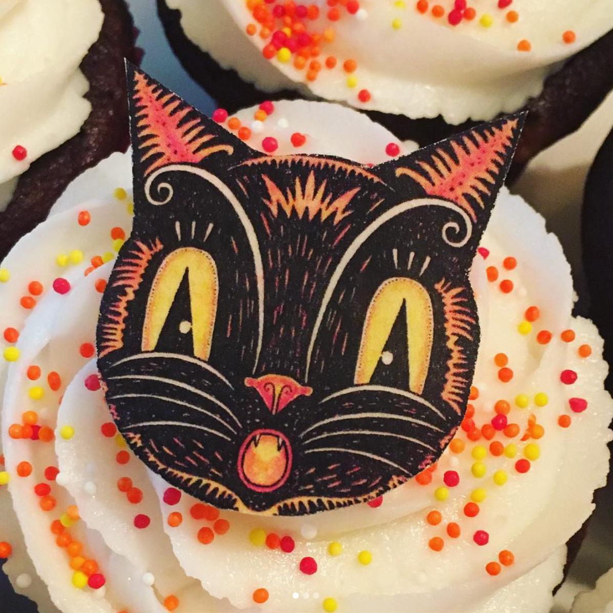 Black-Cat-Johanna-Parker-Fancy-Flours-Cupcake.jpg