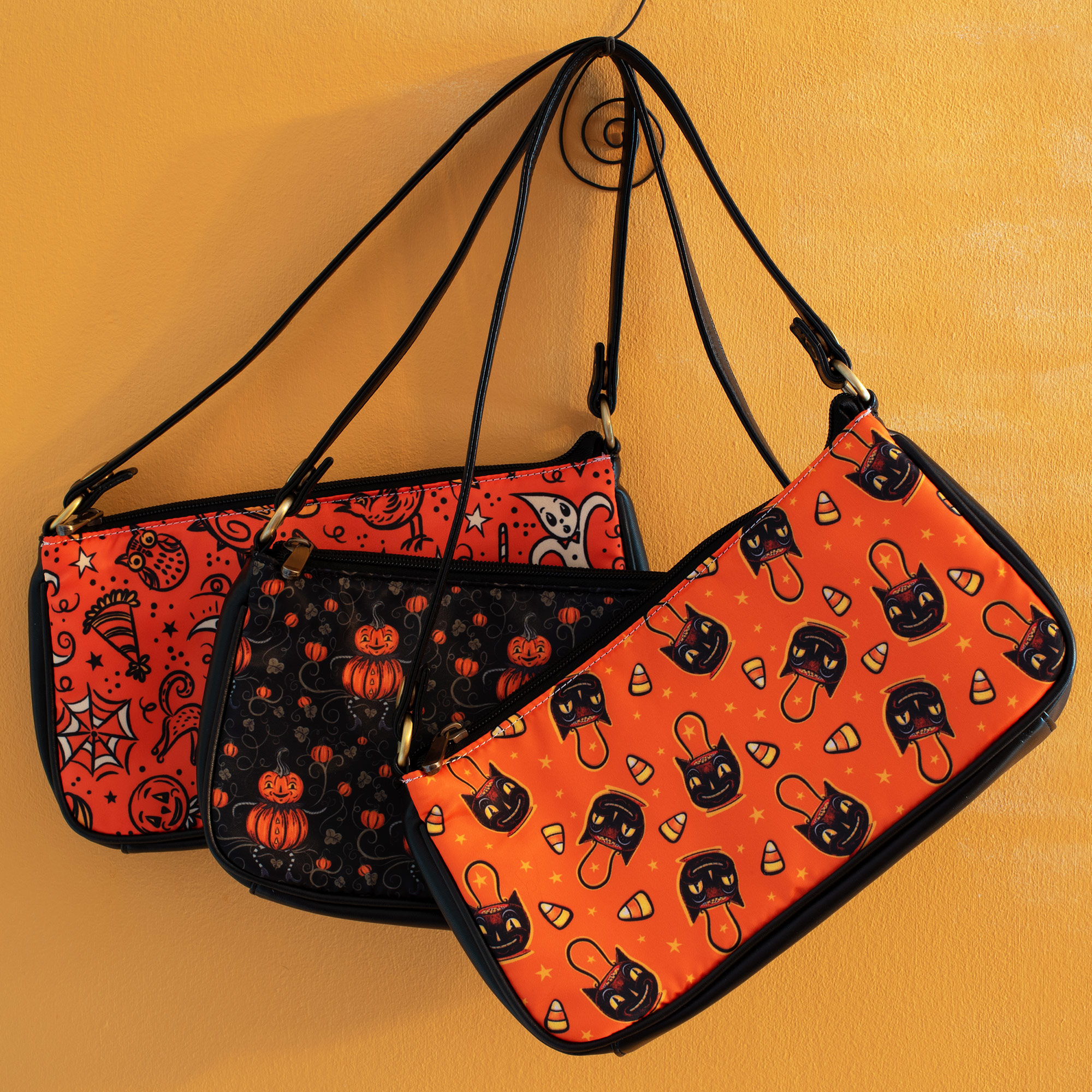 More spooky stylish purses to Collect and Carry!