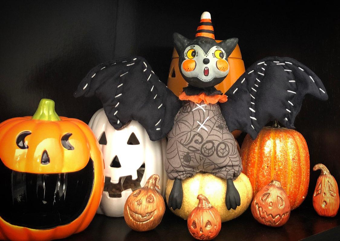 Johanna-Parker-Ambers-Imagination-Co-Art-Doll-Halloween-Bat-pumpkins.jpg