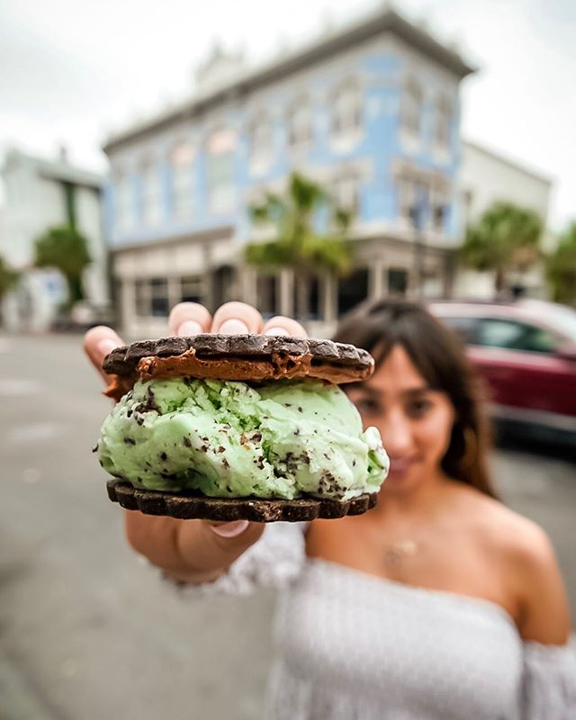 Here's the charming thing about  Charleston, SC: small city, big bites!
