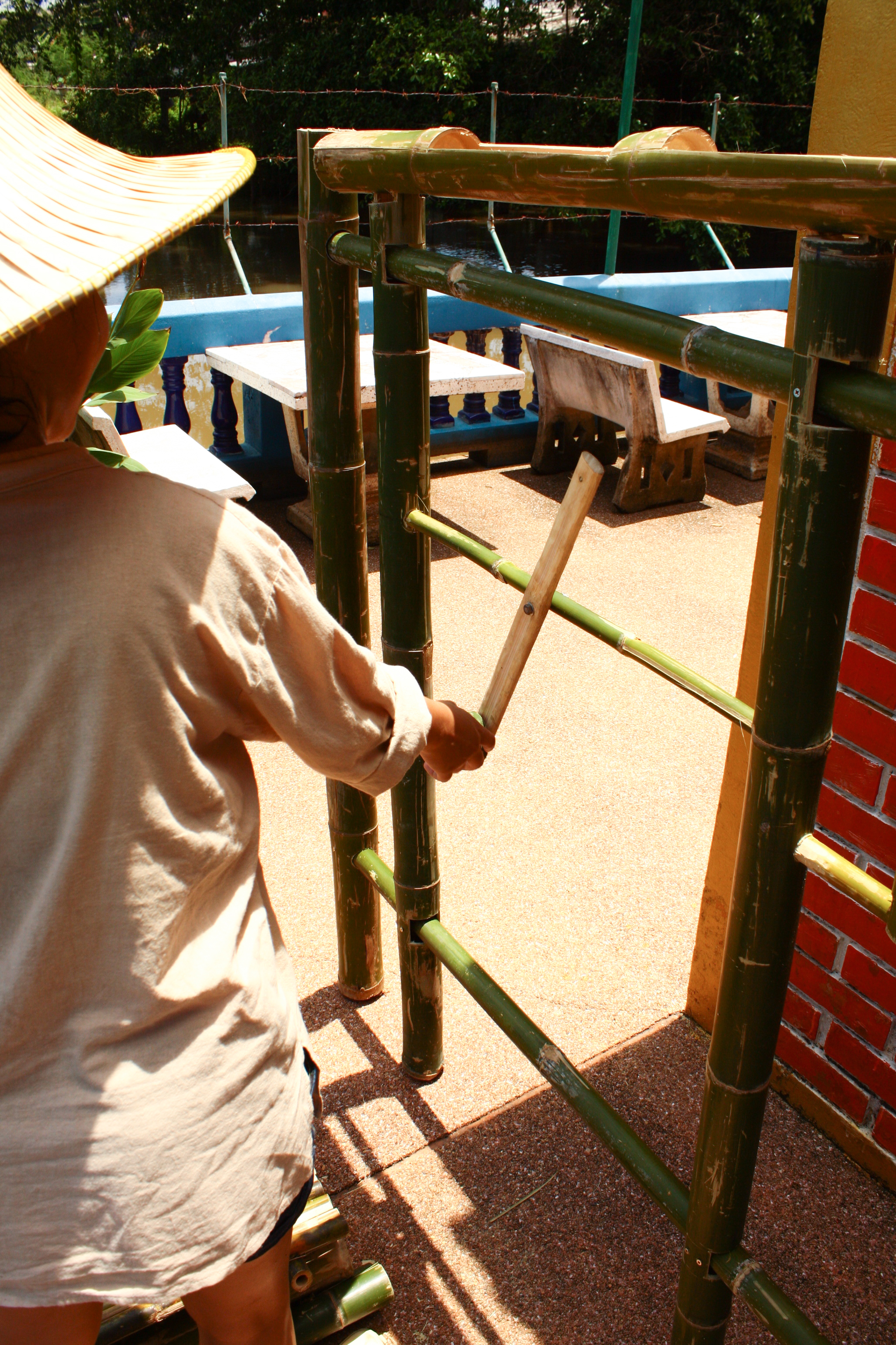 Community furniture Klong 3, Thailand: exercise piece made of bamboo for elderly people