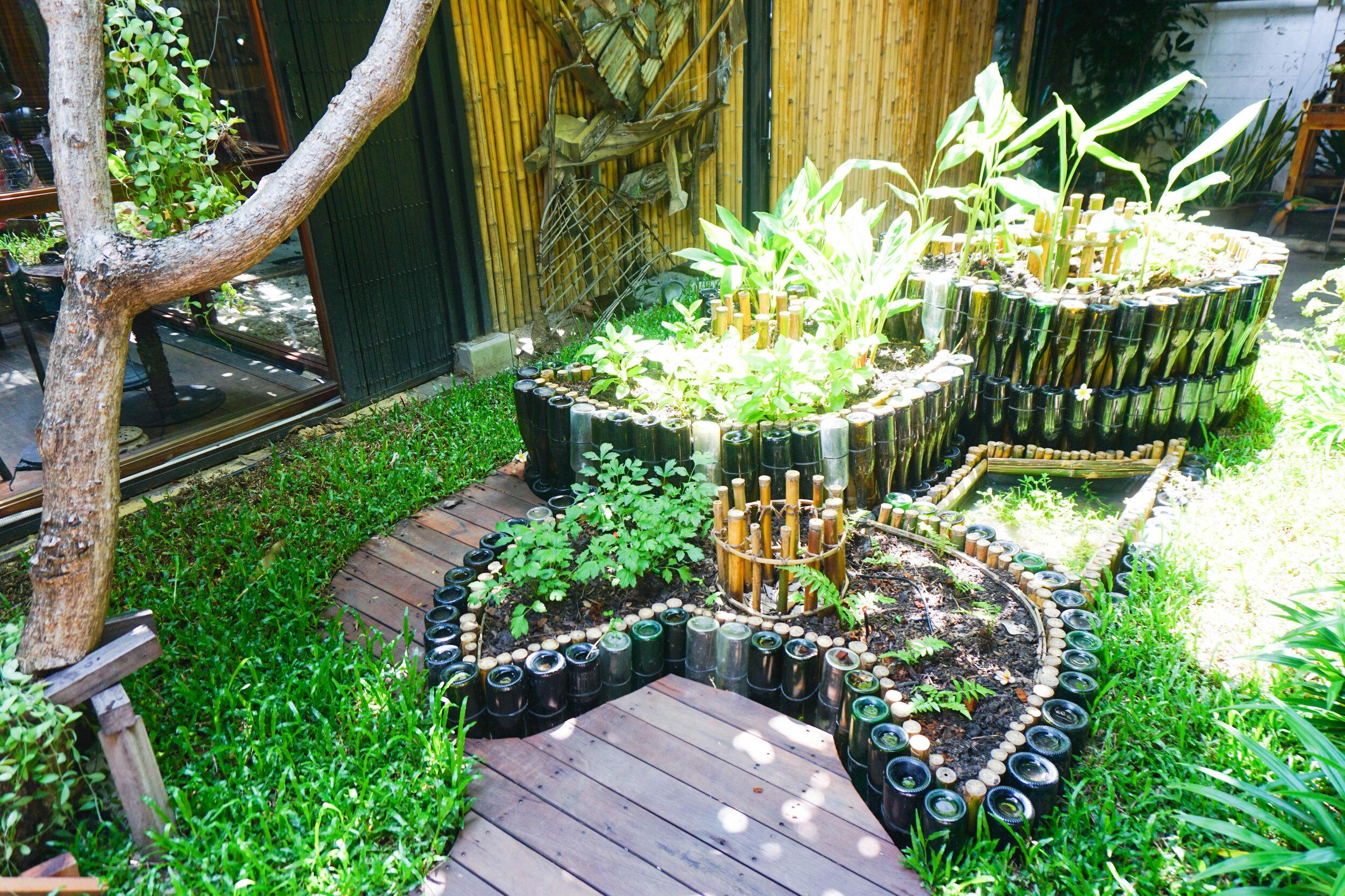 Bo.lan Edible Garden: Four-tier keyhole garden in ZONE B - The Tiered Garden