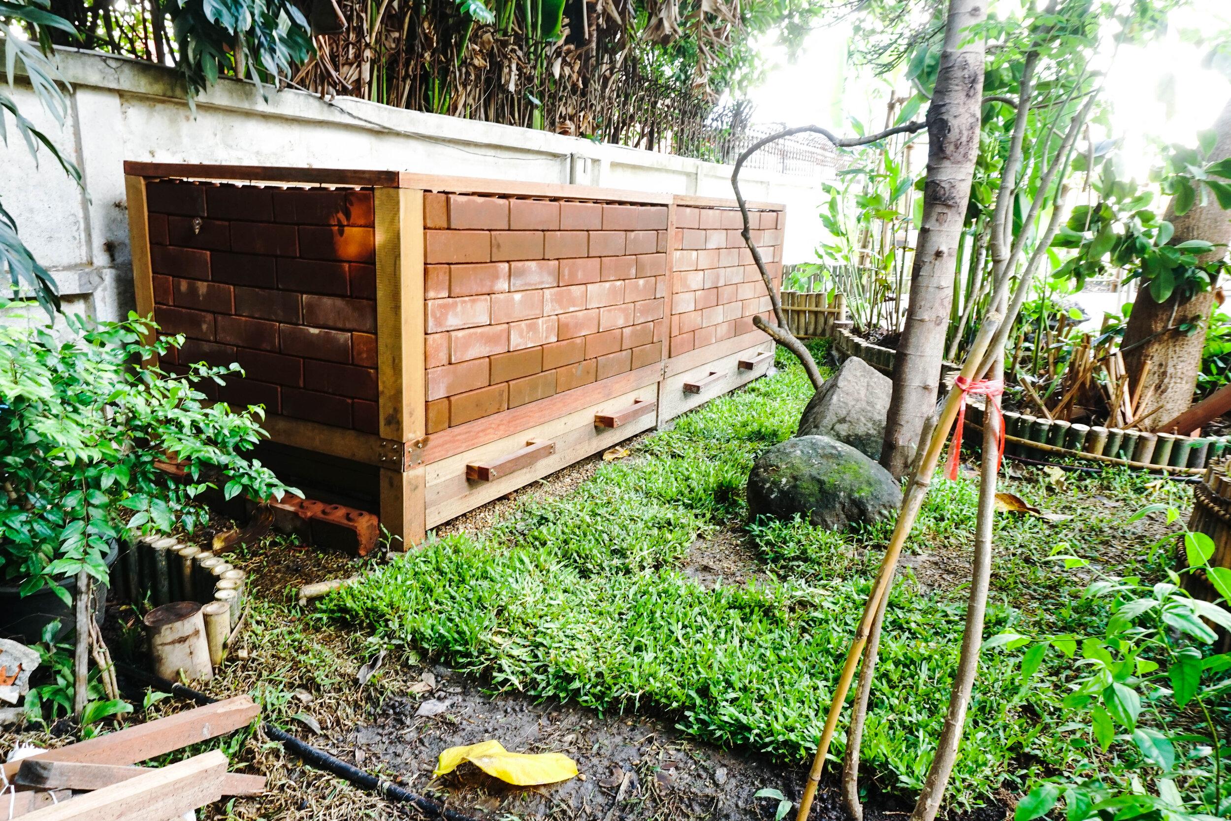 Bo.lan Edible Garden: The dry compost in ZONE G - The Spiral Garden & Compost