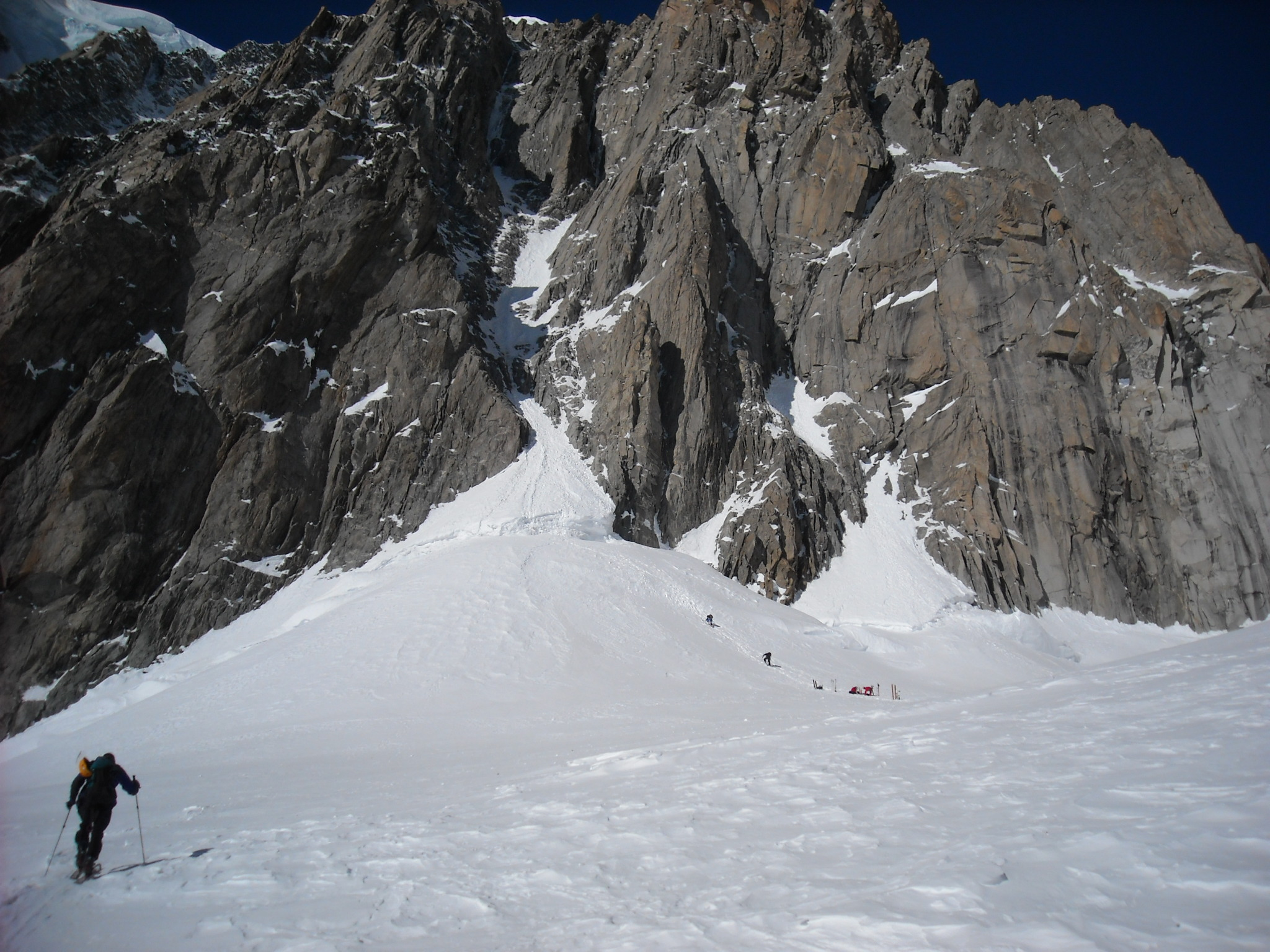 approaching-mont-blanch-tacul.jpg