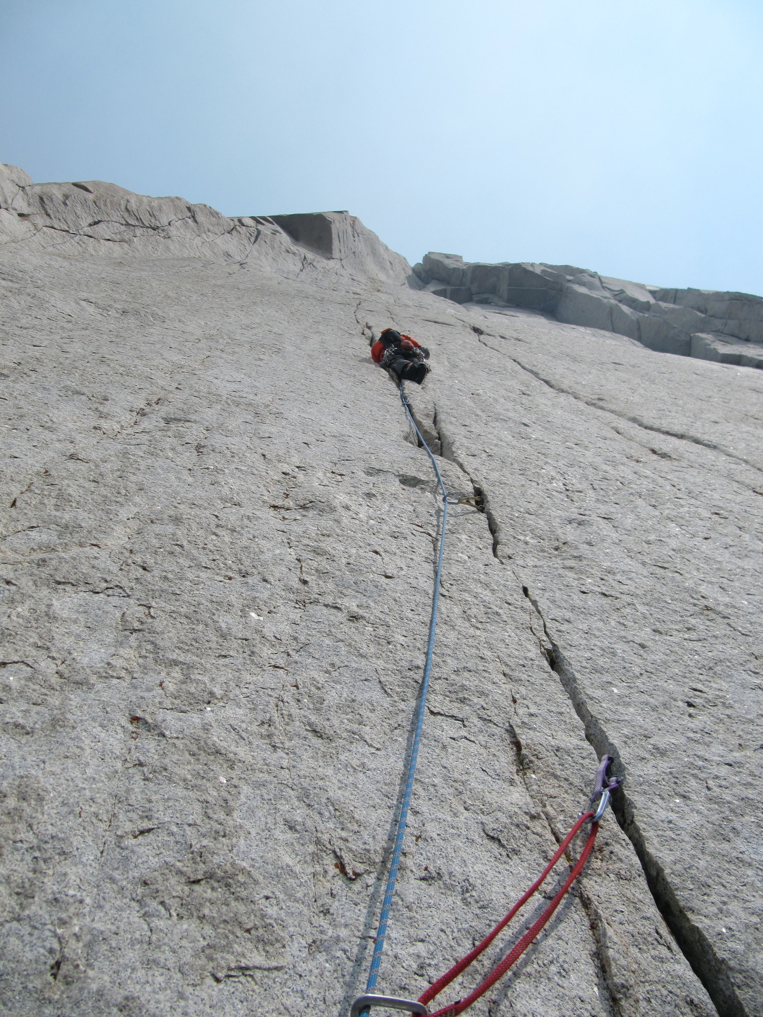 Mike leading pitch 8, miles of amazing finger crack!