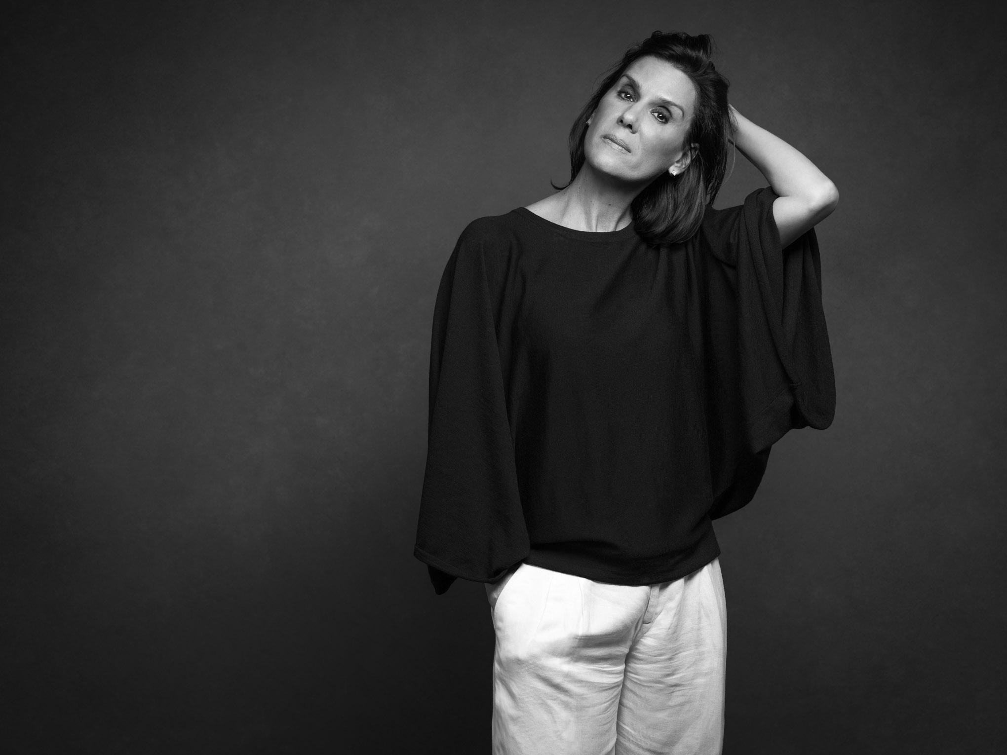 Beatriz Descamps-290B&W.jpg