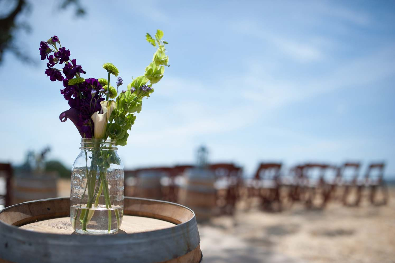 Ceremony accent floral. Photo:  David Hammond Brown