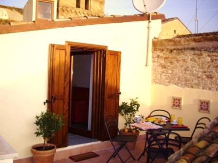 Authentic townhouse - Sleeps 6, Lanciano