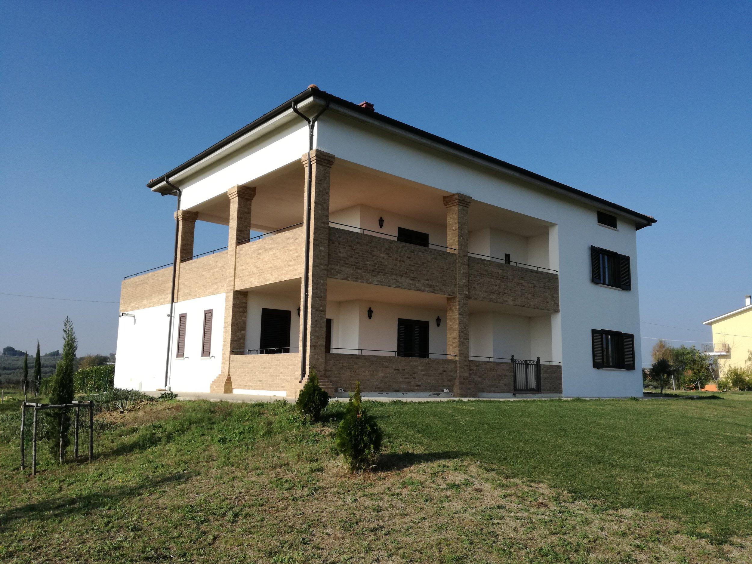 Villa Sangro - Sleeps 8 - Torino di Sangro