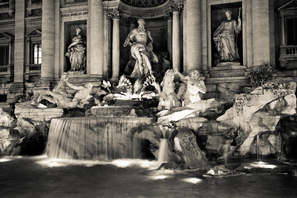 One autumn night hanging out by fontana di trevi