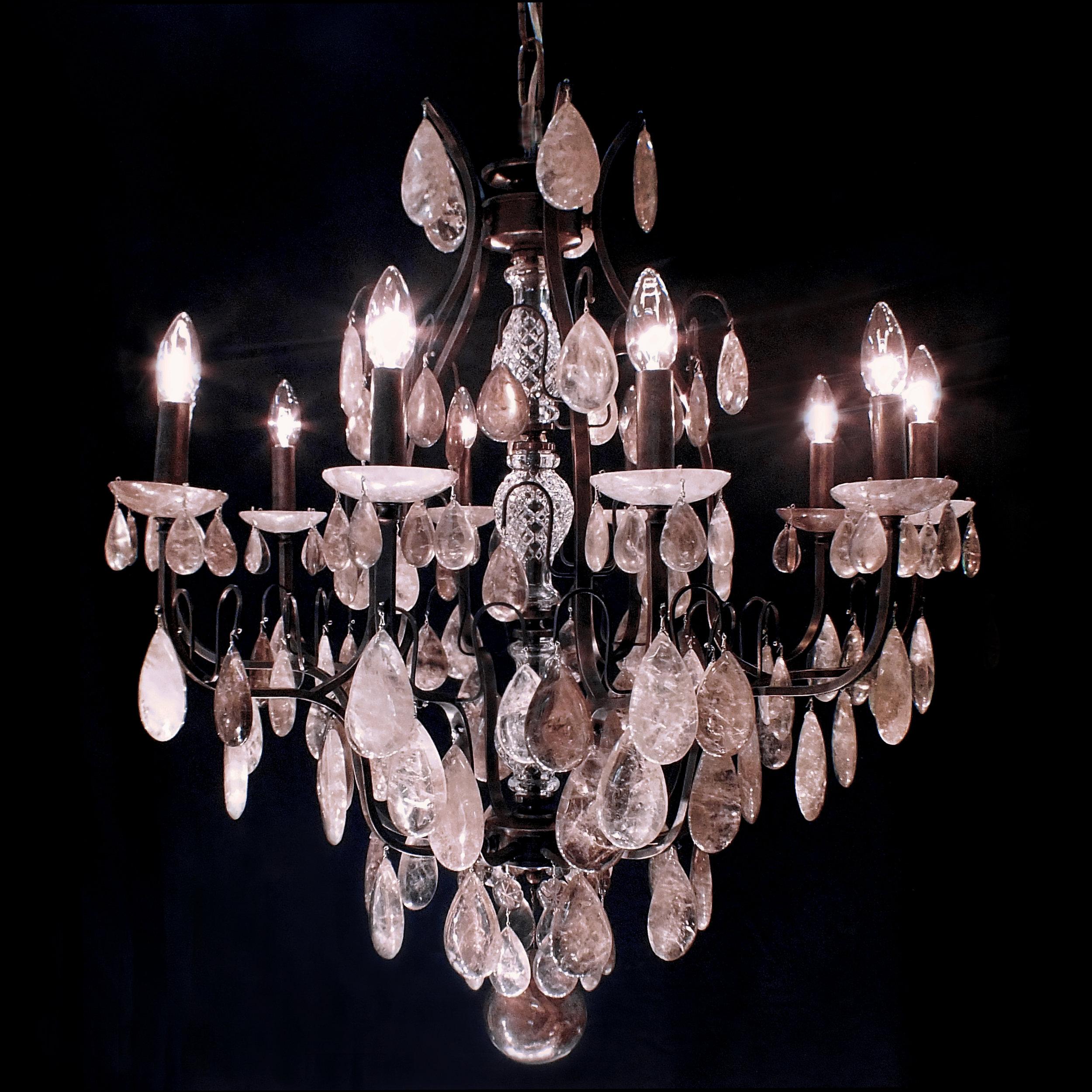 Lustre Verona 10 braços em cristais de rocha em tons fumê.