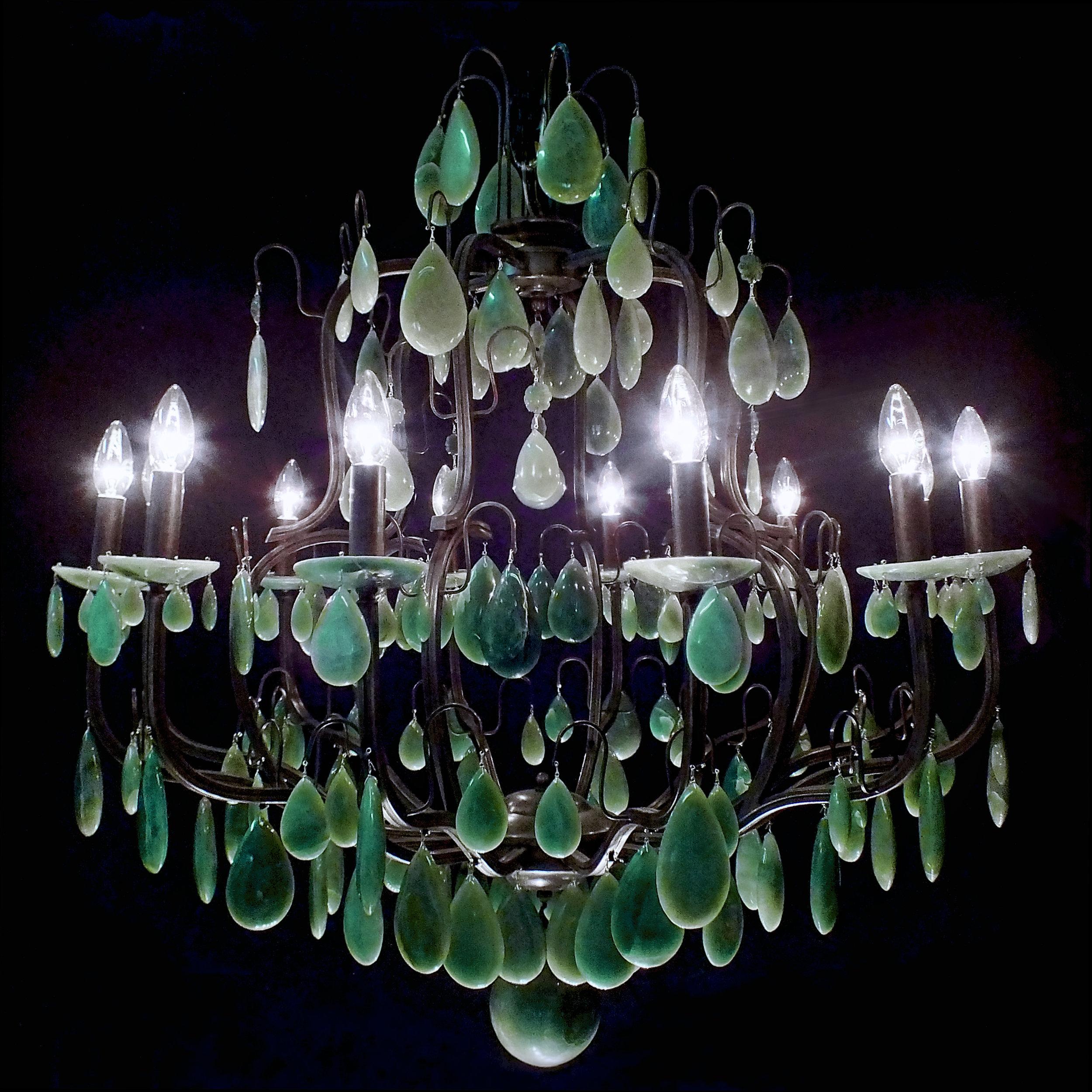 Lustre Roma 12 braços em cristais de rocha verdes