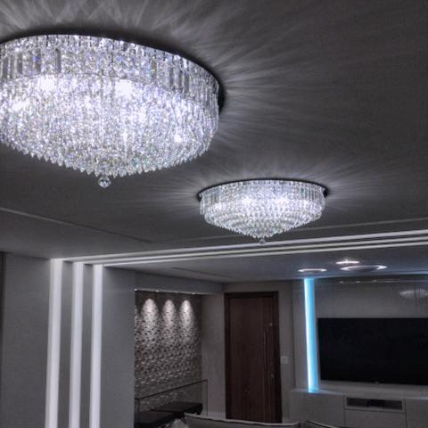 Plafons Granada ambientados em sala de estar.