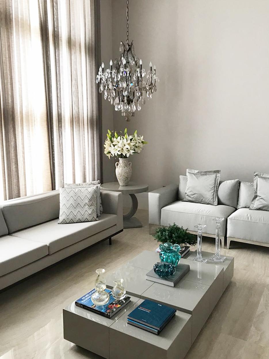 Lustre Mântova fabricado sob medida para sala de estar.