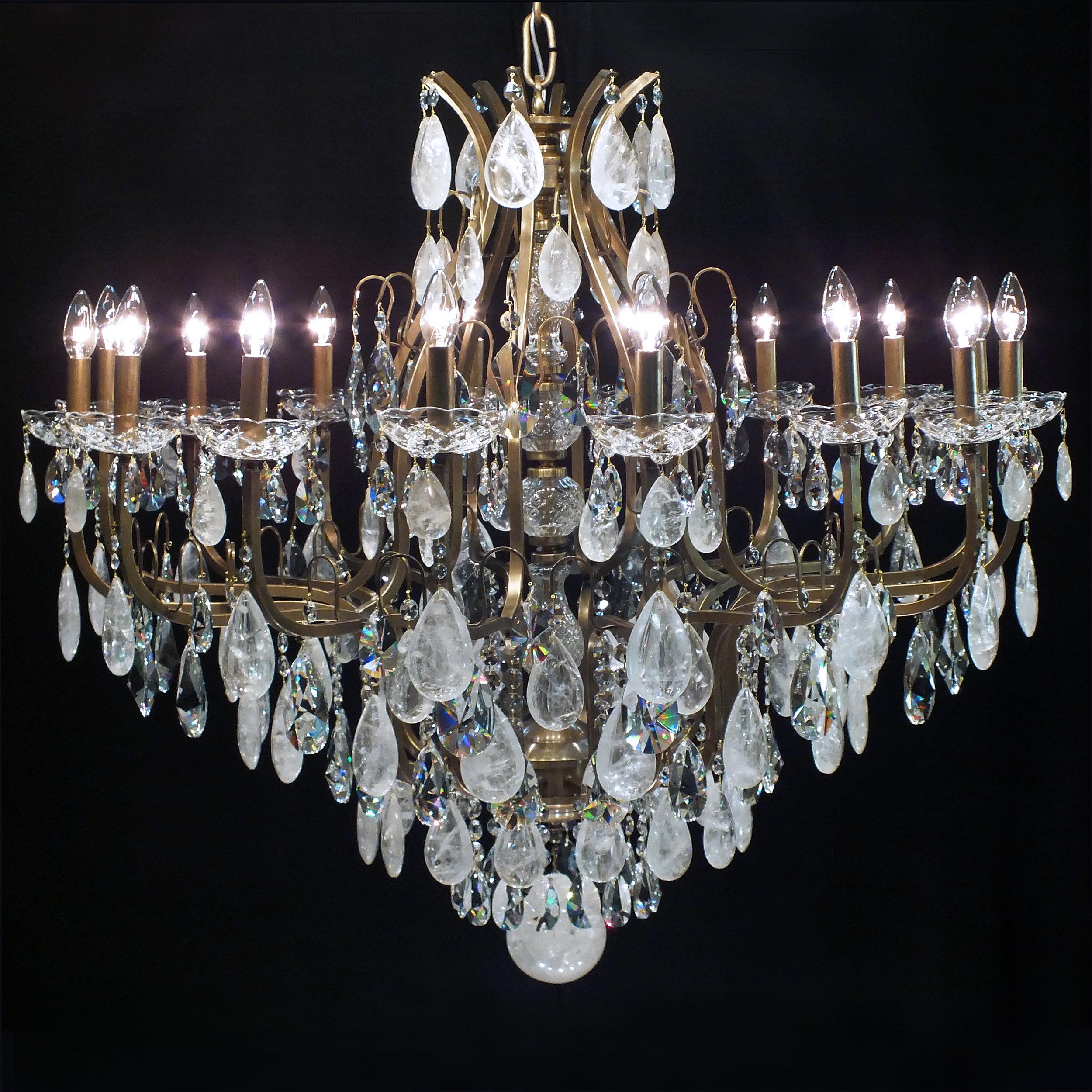 Lustre Mântova 16 braços com cristais de rocha quartzo extraclaros.