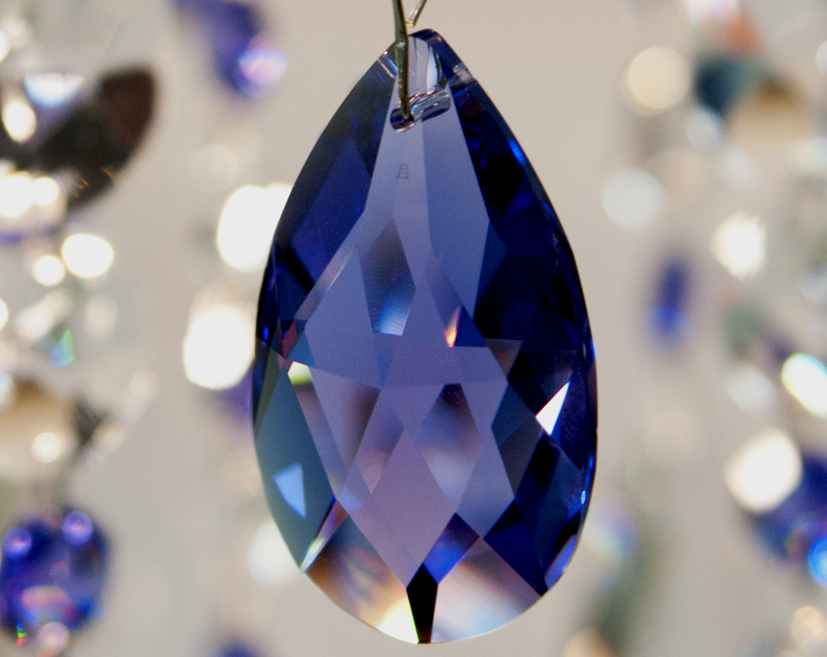 Cristal Blue Violet Swarovski.
