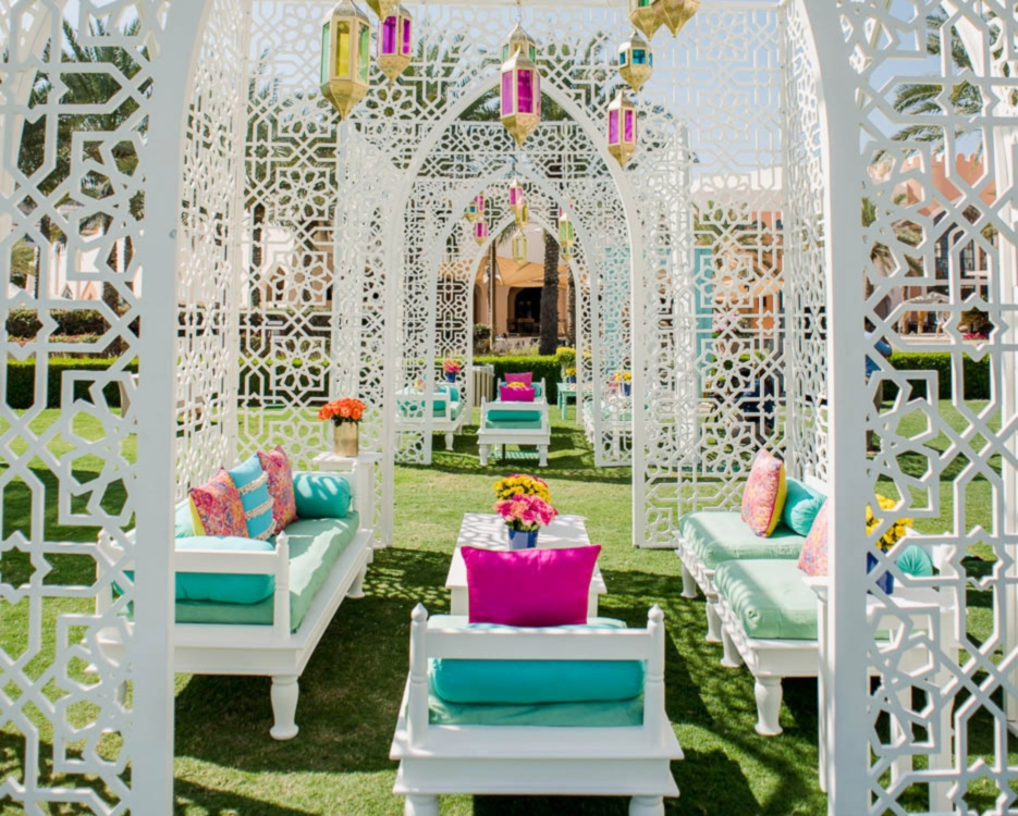 A VIBRANT AND COLORFUL GUJRATI WEDDING IN MUSCAT - PLANS AND PRESENTS | WEDDING BLOG