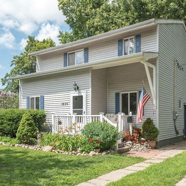 New listing! Welcome to 1935 Wyoming Ave! +3 bedrooms +2 bathrooms +Listed for $154,900