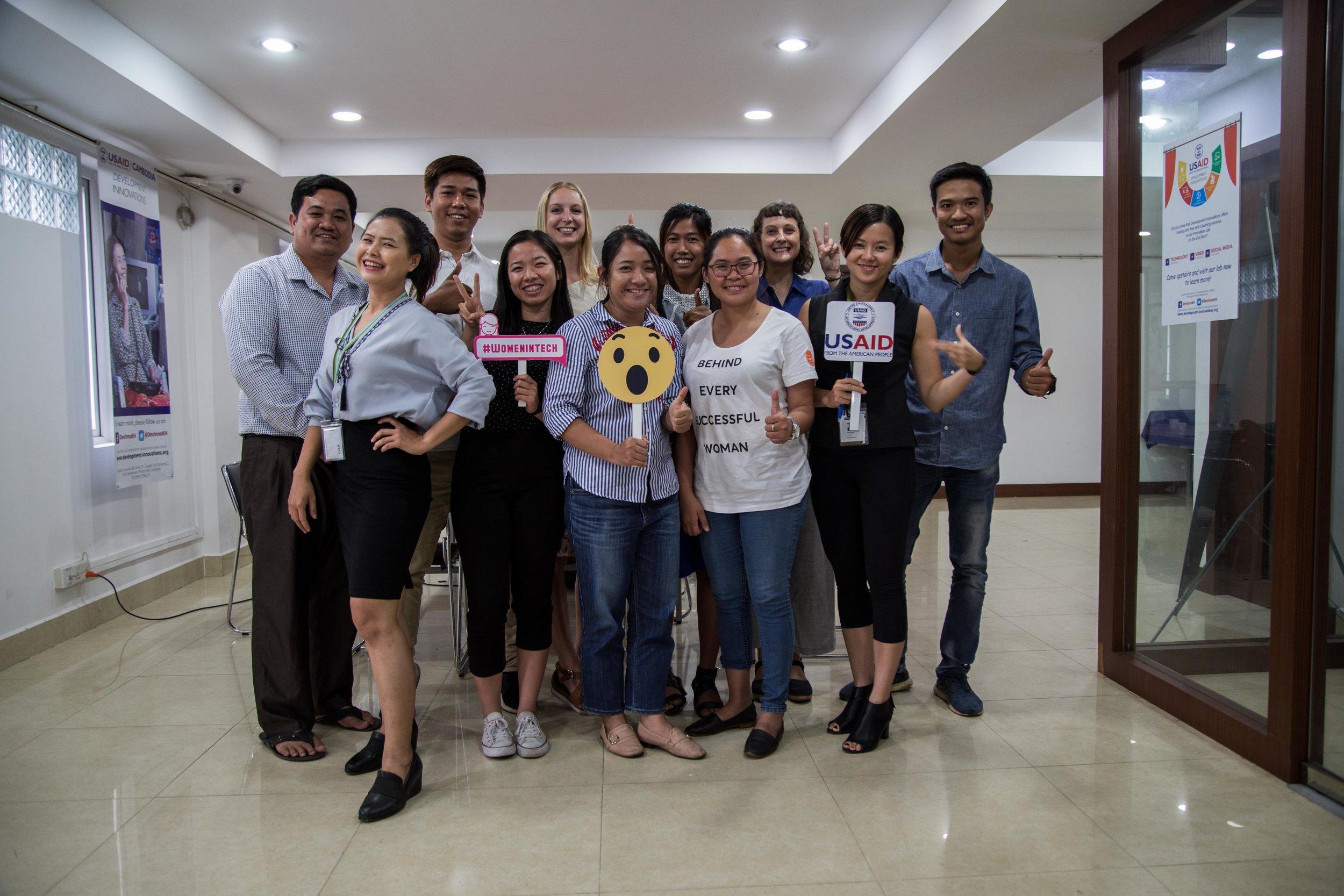 ក្រុមការងារ ស៊ី អ៊ិនវេសមិន (SHE Investments)និង Development Innovations Cambodia