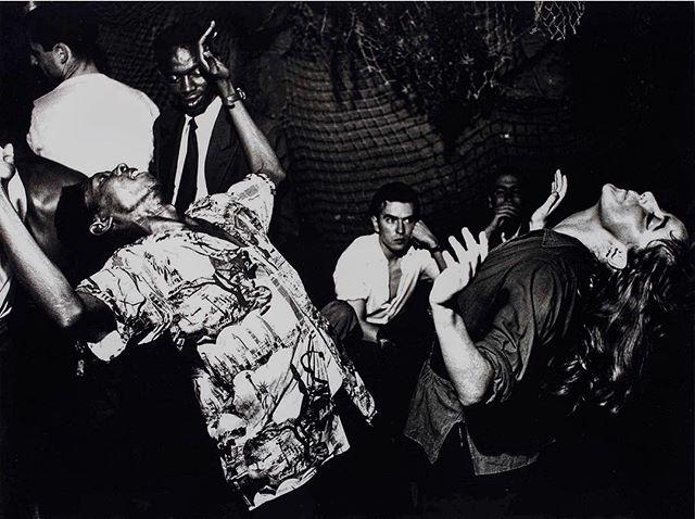 #inspiration #CollectifPeriscope Qualifié de « photographe des marginaux », un goût pour le non conformisme, parfois pour la provoc, des images à caractère cinématographique… Le Jeu de Paume nous présente « La vie Folle » d'Ed Van Der Elsken.